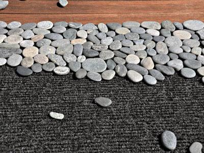 клеим камни на подложку